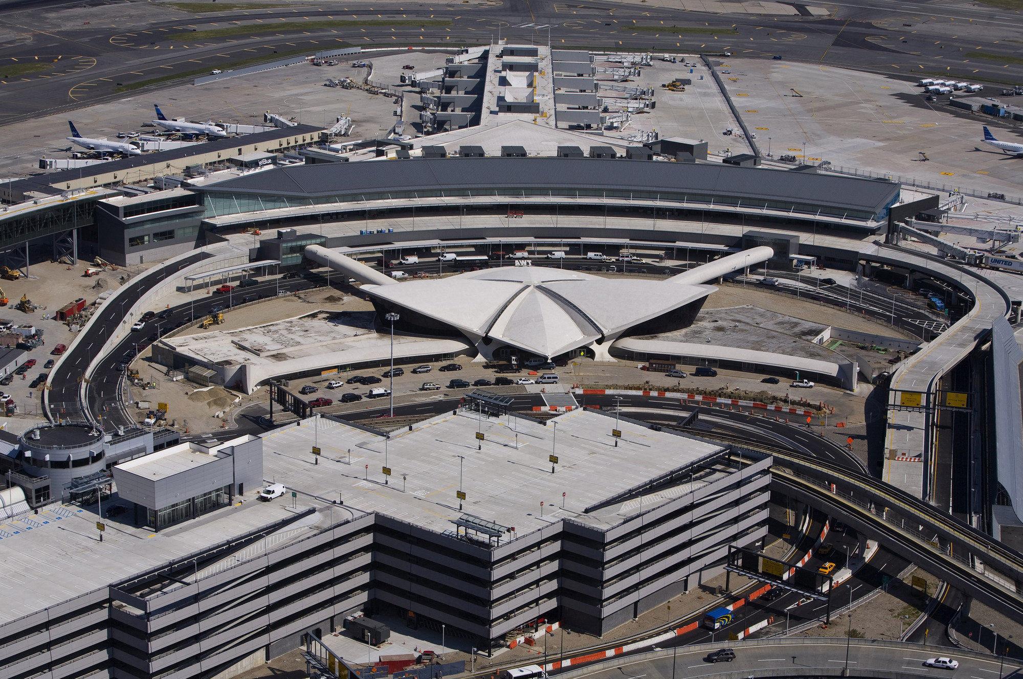 El aeropuerto más grande de la ciudad, recibe el nombre de este Expresidente estadounidense
