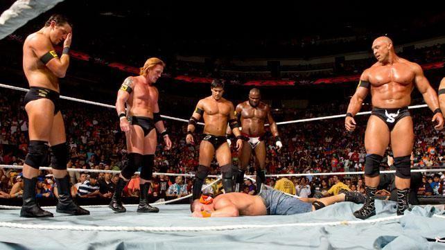 ¿Por qué se unieron los ocho rookies de NXT para formar The Nexus?