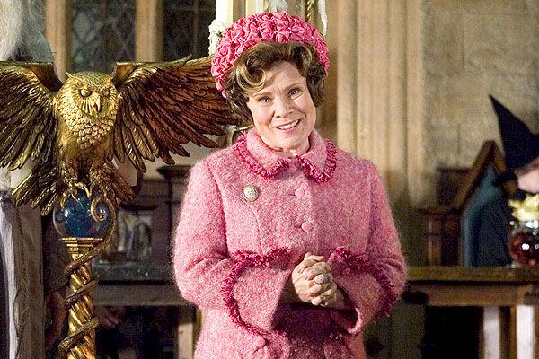 En La Orden del Fénix, ¿qué castigo proporciona McGonagall a Harry por llamar mentirosa a la profesora Umbridge?