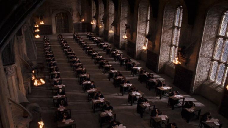 ¿Qué dos TIMOS se dice en el libro de El Príncipe Mestizo que suspende Harry?