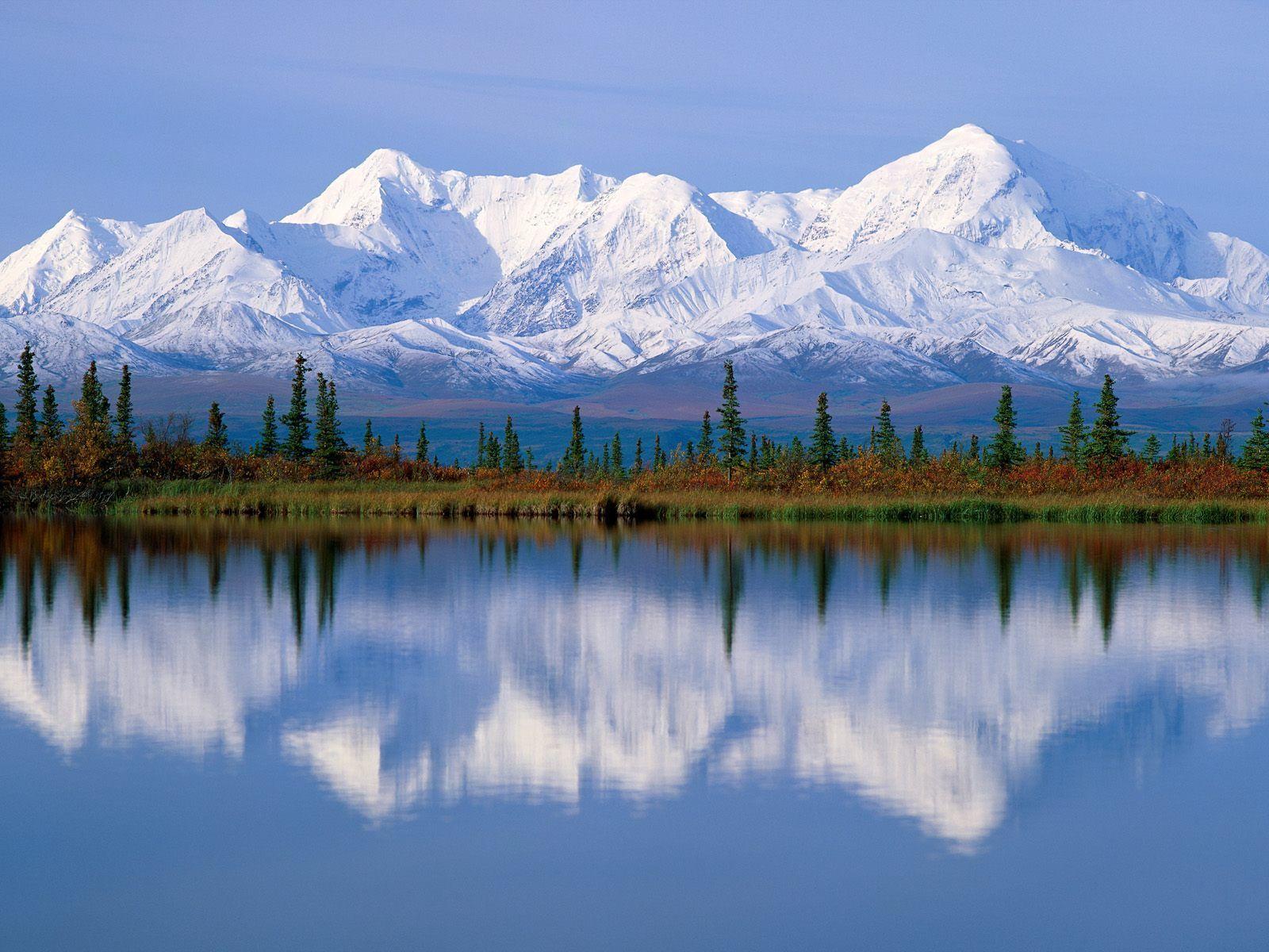 ¿Cuál es la montaña más alta de los EE.UU y de toda Norteamérica? (no es la de la foto, es un paisaje de Alaska)