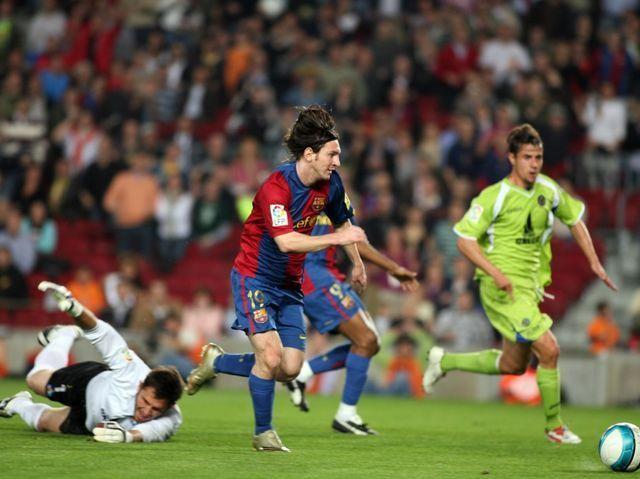 Leo Messi ha ocupado el podio del Balón de Oro en los últimos ocho años. ¿Con quién lo compartió por primera vez en 2007?