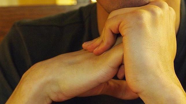 Crujirse los dedos provoca artritis.