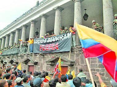Ecuador vivió un período de gran inestabilidad política.¿ Quién duró solo dos días como presidente ?