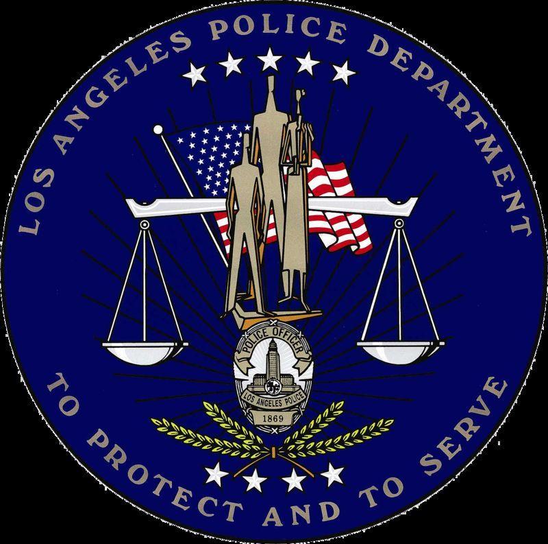 La LAPD no cedió sus derechos de imagen a la serie pero, ¿Cuáles son las dos principales diferencias de los uniformes?