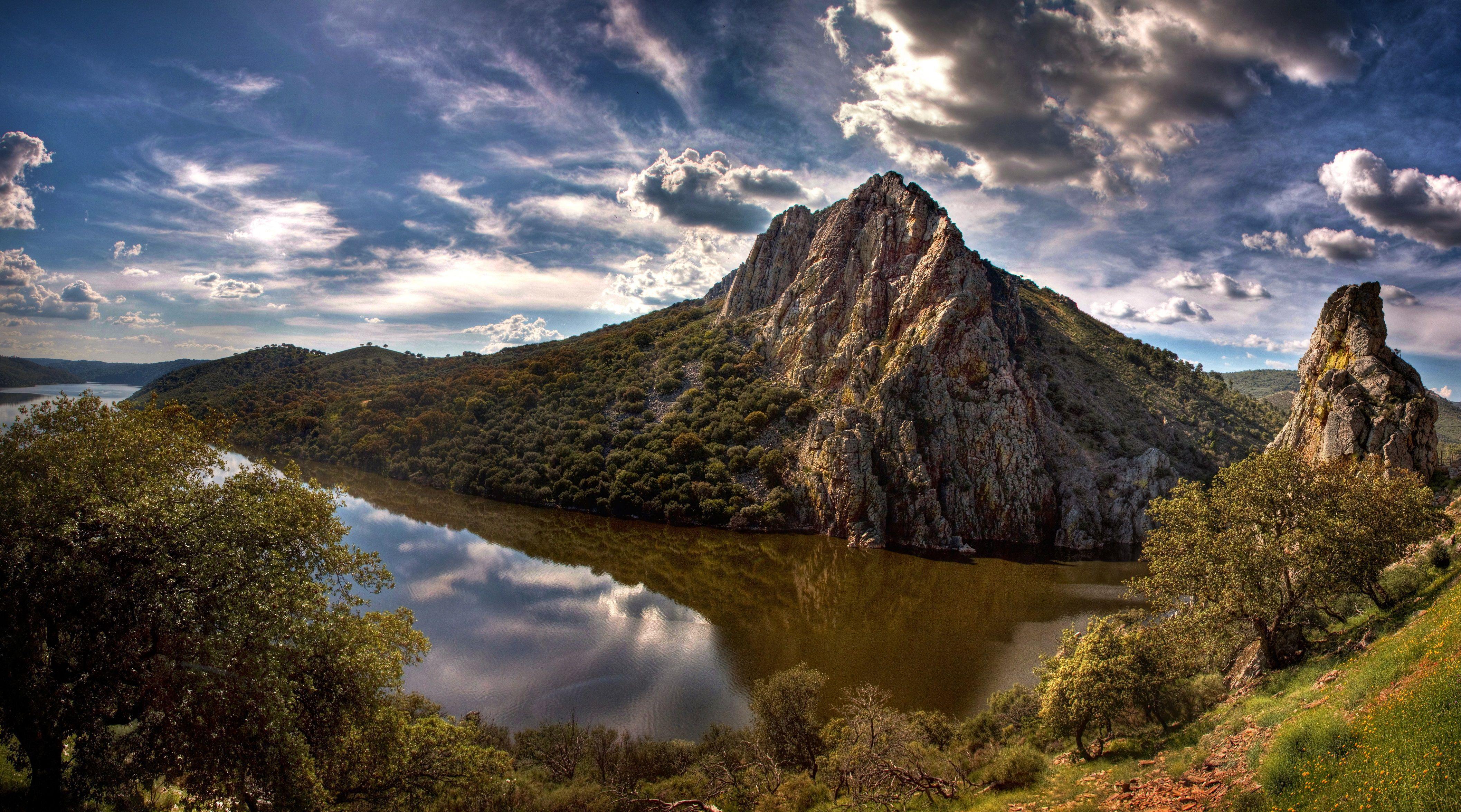 Una fácil ¿cuándo es el día de Extremadura?