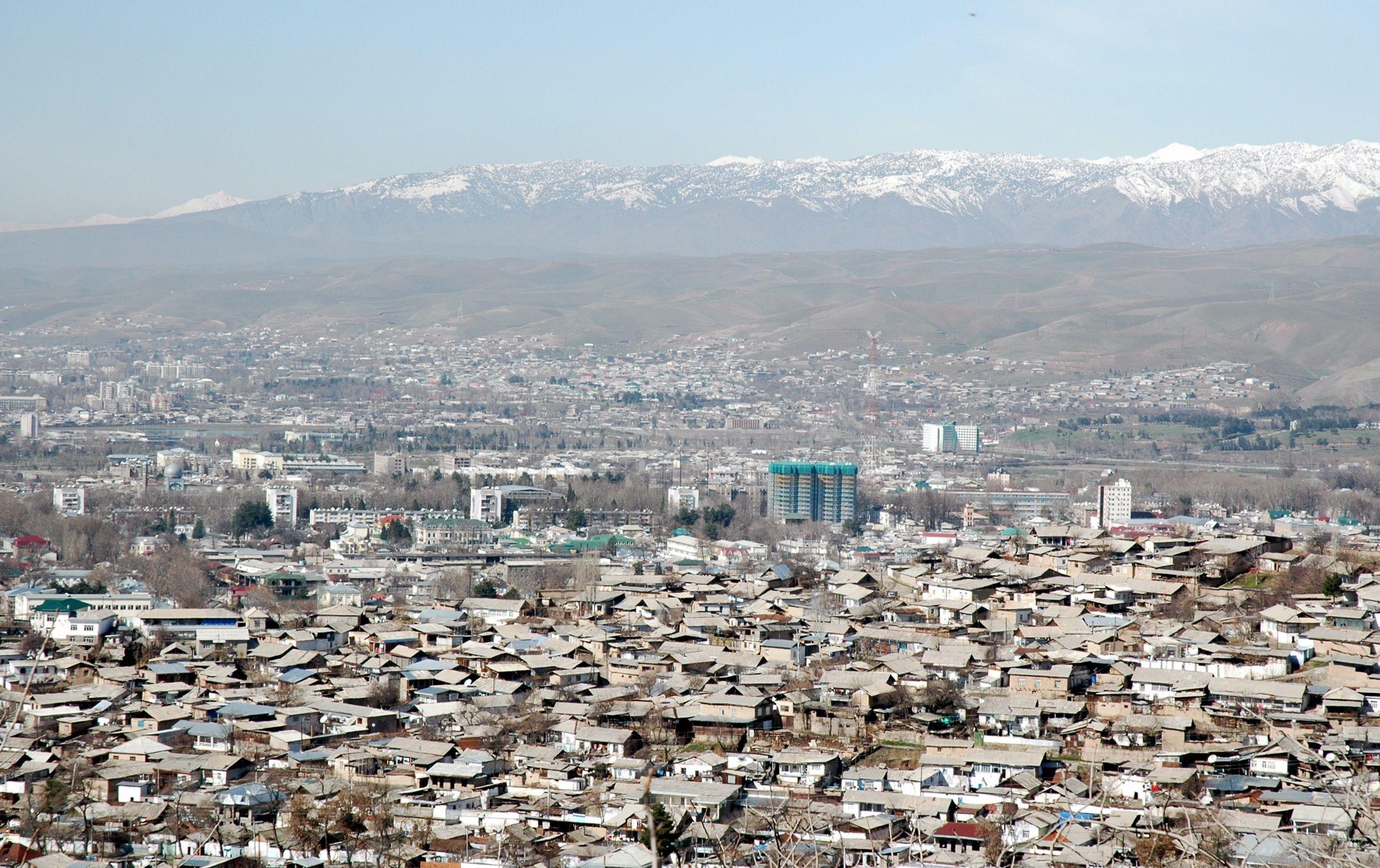 ¿A qué país pertenece Dusambé/Dushanbe?