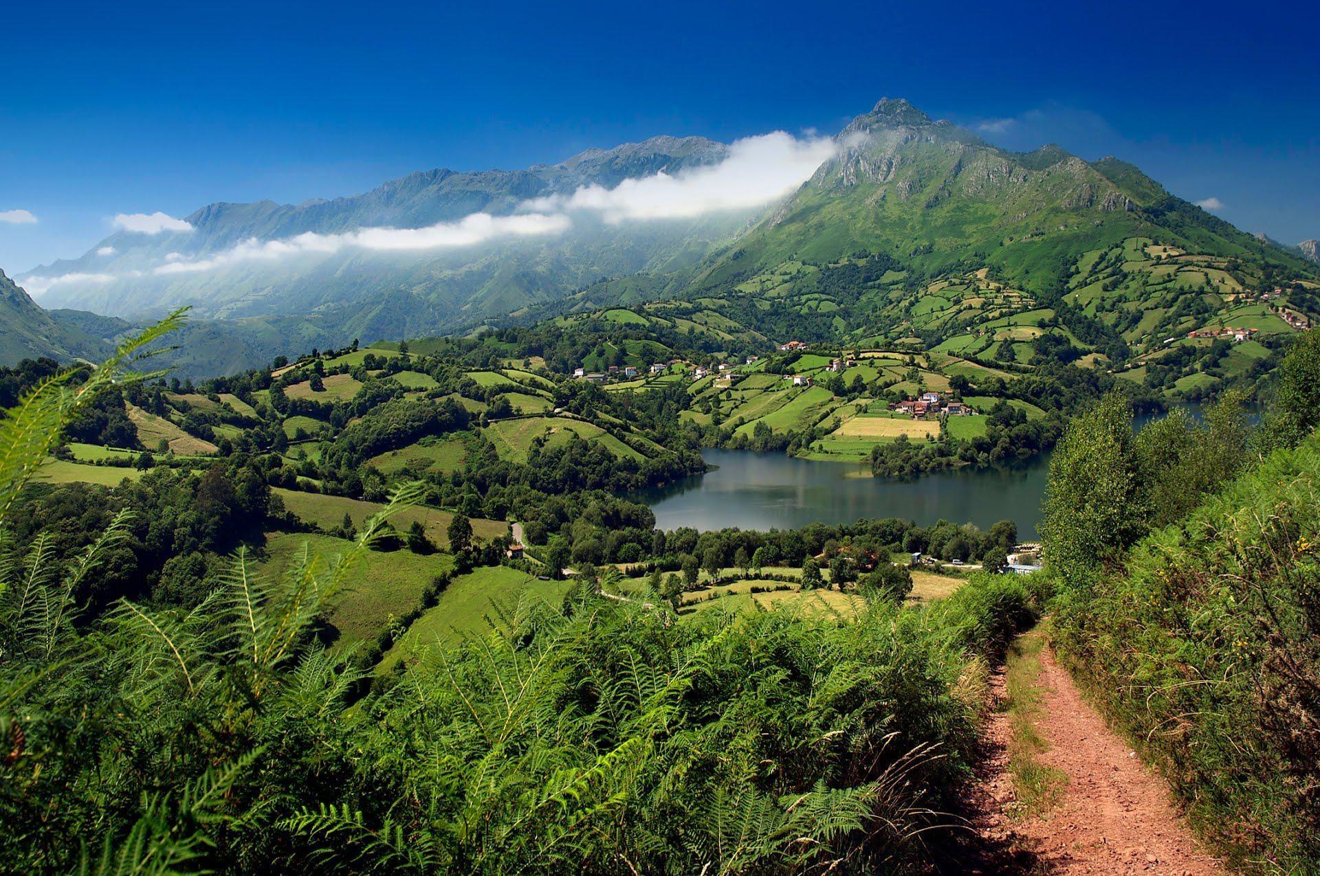¿Cuál es la capital de Asturias?
