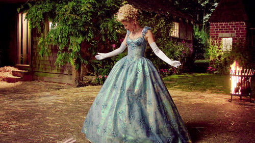 ¿Cómo Cenicienta cumplió su deseo de ir al baile?