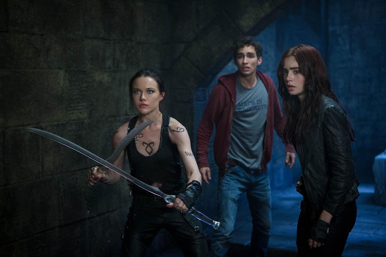 ¿Cuáles son las armas predilectas de Isabelle, Alec y Jace?