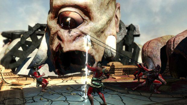 En God of War III, el tutorial del juego se desarrolla mientras...