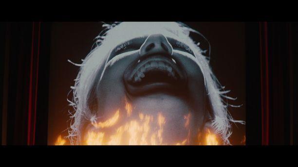 ¿Cómo hacen para quemar el cine en mitad de la proyección?