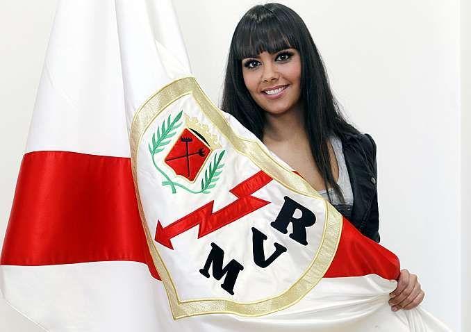 RAYO VALLECANO.¿En que año abandono la presidencia la primera mujer en presidir un club de fútbol en España,Teresa Rivero?