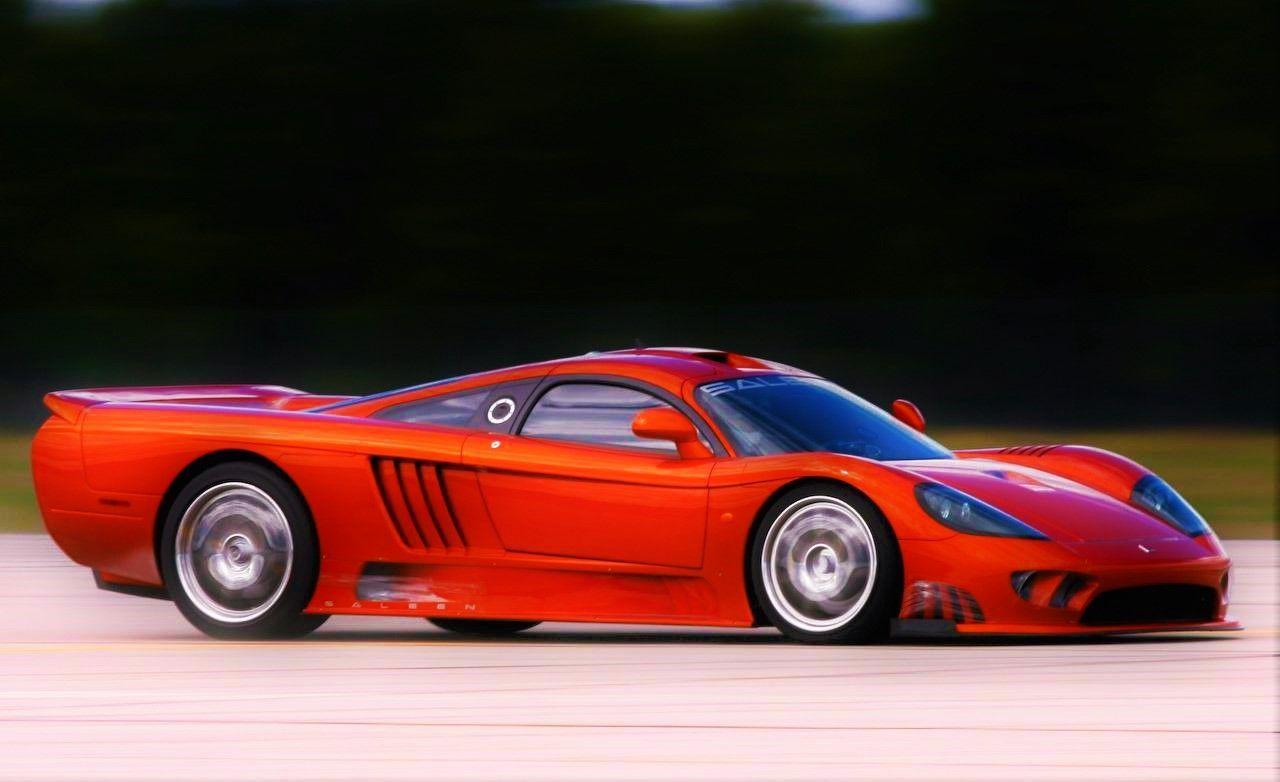 Cuando llegas al circuito descubres que te enfrentas a un Ferrari F430 y a un Pagani Zonda R.¿Qué coche te pillas?
