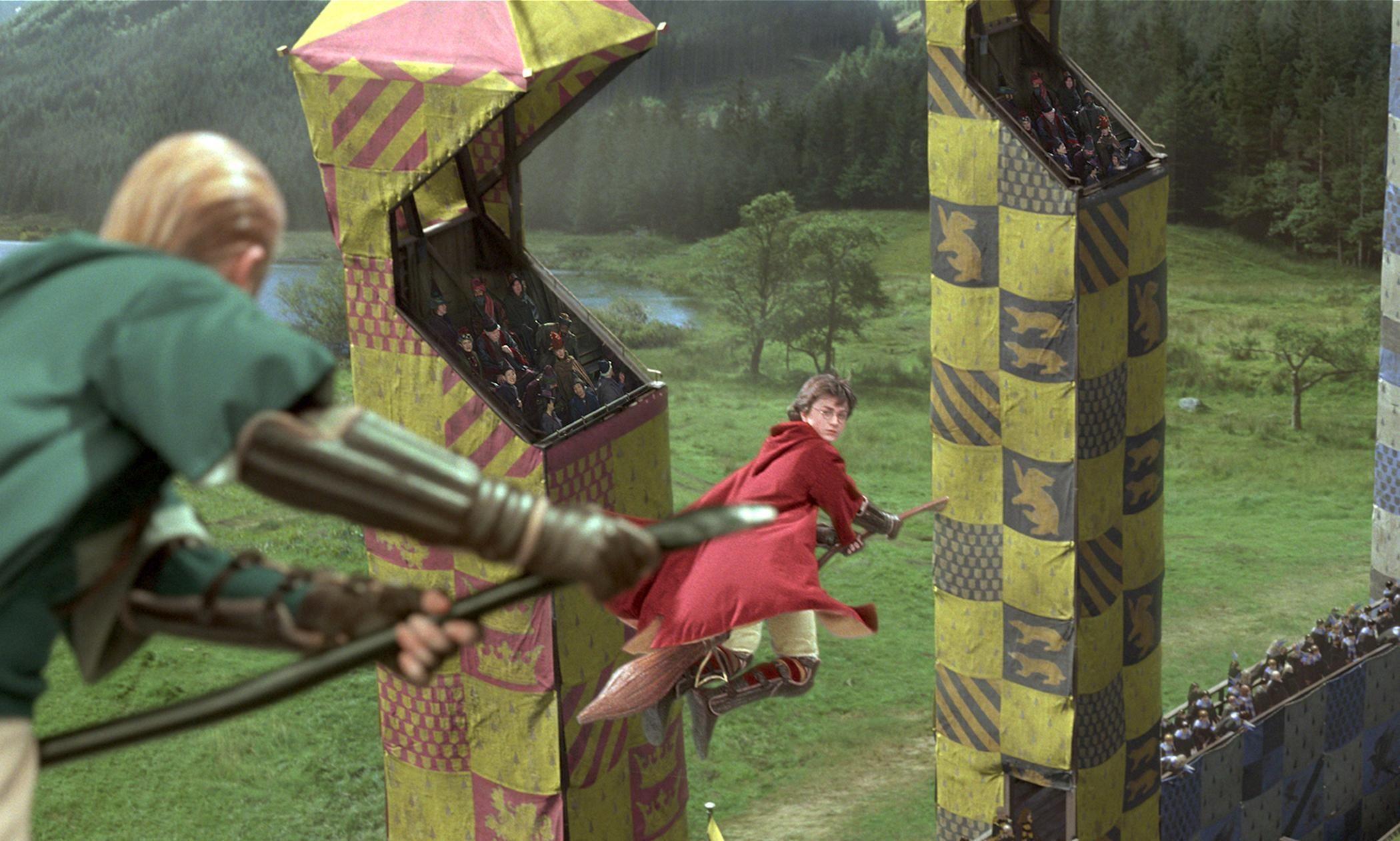 ¿Qué le sucedió a Harry en su partido de quidditch contra Slytherin?