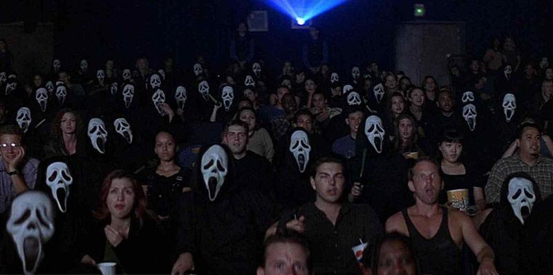 ¿Qué saga de películas filman en SCREAM basándose en los asesinatos de Woodsboro?