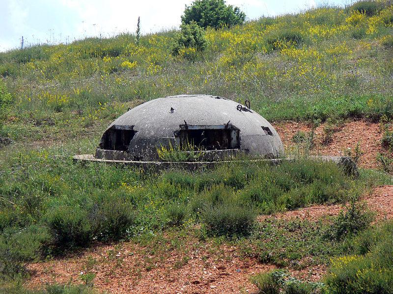 Durante la dictadura de Enver Hoxha se construyeron gran cantidad de bunkers, ¿Sabrías decirme el número aproximado?