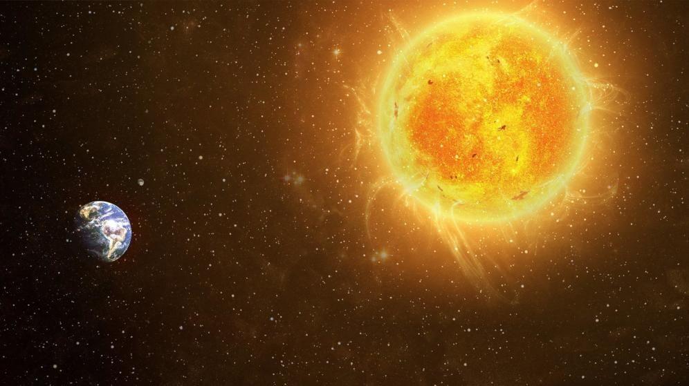 Según la Relatividad General, el movimiento de la Tierra alrededor del Sol se explica...