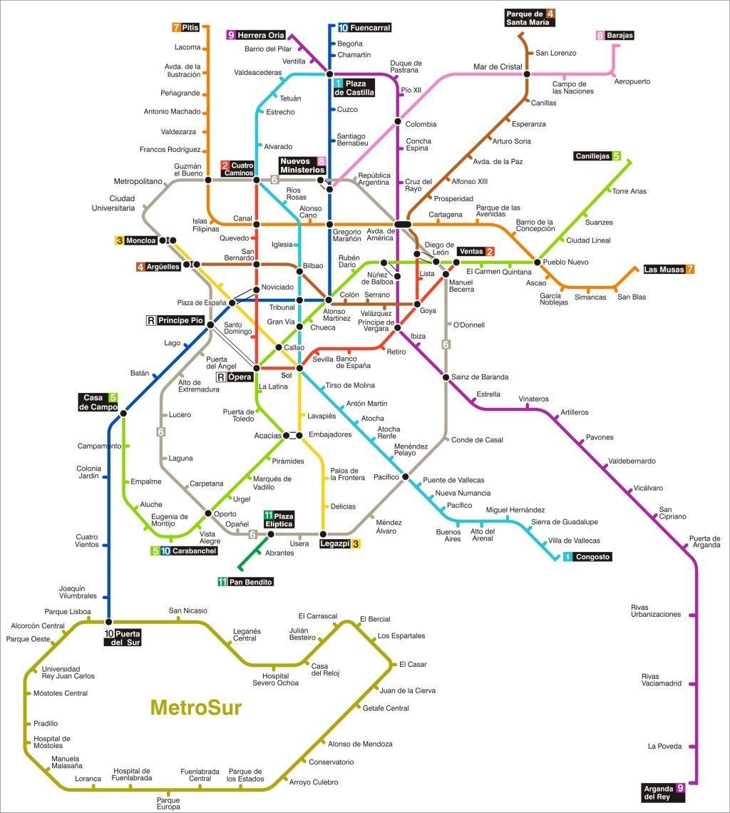 Un joven se tatúa el plano del metro de Madrid en el antebrazo