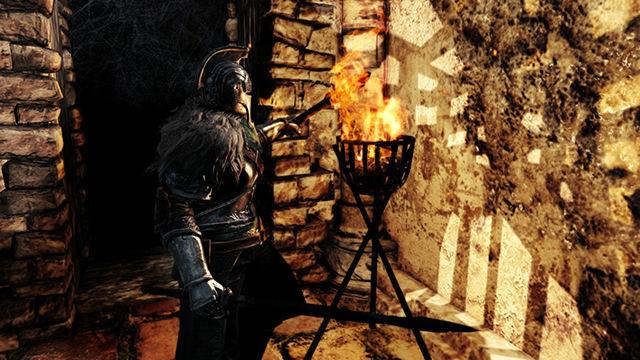¿En qué juego de la saga Souls se introdujeron las antorchas como objeto equipable?