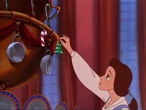 En La Bella y la Bestia 2, ¿Porque Bestia prohíbe la navidad?