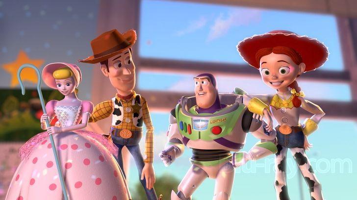 En Toy Story 2, ¿Qué quiere hacer la madre de Andy con sus juguetes?