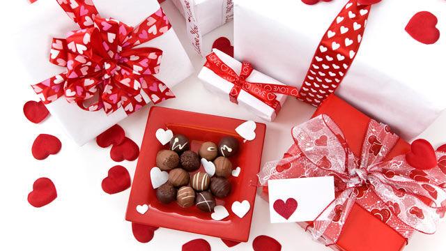 Se acerca San Valentín y le vas a comprar un regalo a tu novi@. ¿Qué le compras?