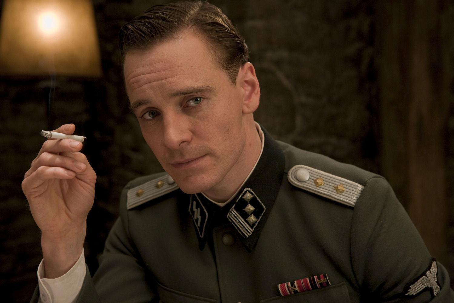 Su primer trabajo como actor fue en una prestigiosa serie  de la HBO de principios de los 2000  ¿Sabes cuál?