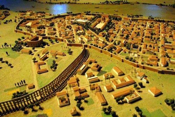¿Cómo se llamó la ciudad de Sevilla durante el domino del Imperio Romano?