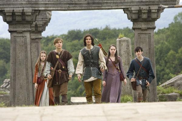 11831 - Personajes de Narnia (medio)