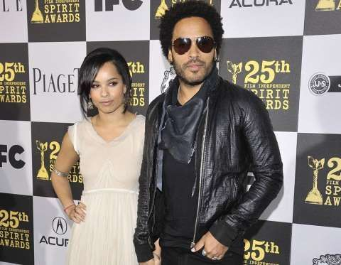 ¿Quién será esta joven chica del brazo del rockero Lenny Kravitz?