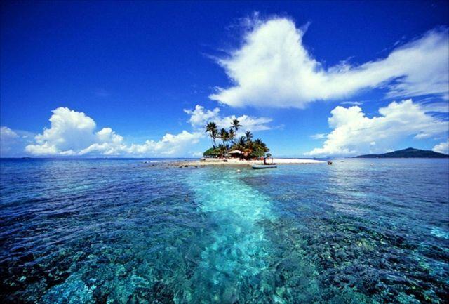 Y hablando de islas, ¿cuál de las siguientes NO se encuentra en el Mediterráneo?