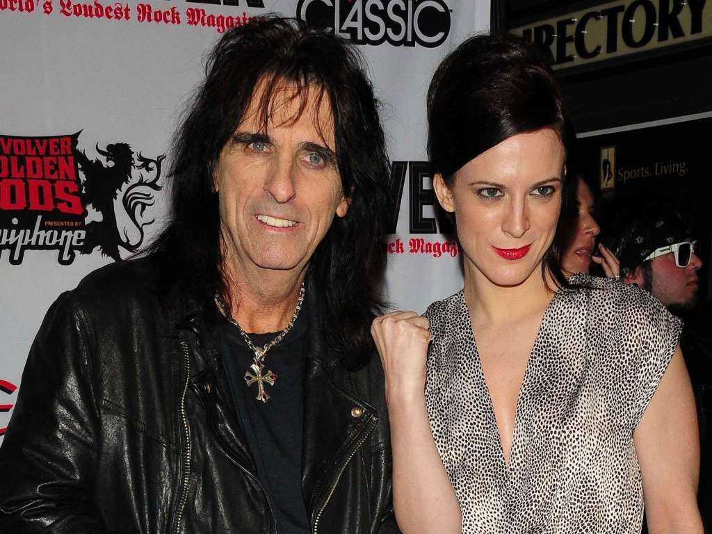 ¿Ella es la hija o la pareja del rockero Alice Cooper?