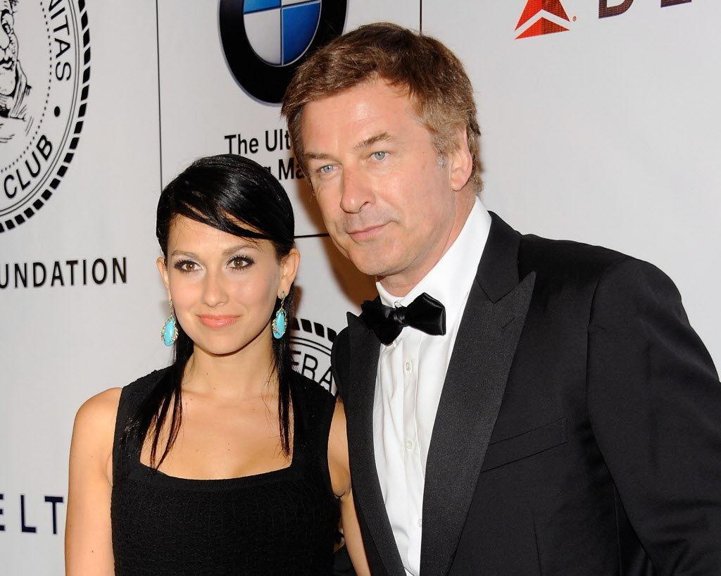 ¿Ella es la hija o la pareja del Alec Baldwin?