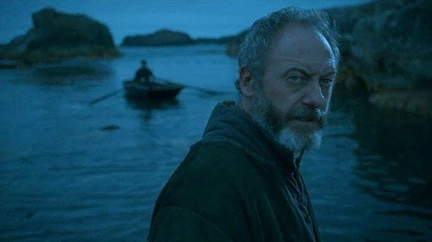 A Davos, la mano del Rey Stannis, también le dejan muy claro el sentimiento del Norte ¿Quién?