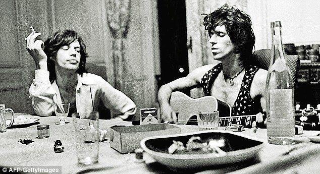 ¿Cuál fue la única composición Jagger/Richards que apareció en su disco debut?