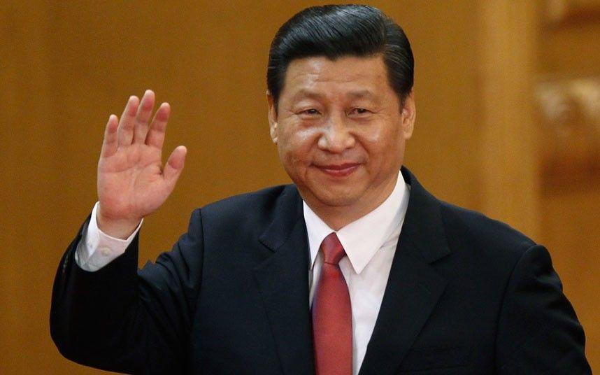 El salto llega hasta la China, el país superpoblado y bastante controvertido. Su presidente es Xi Jinping.
