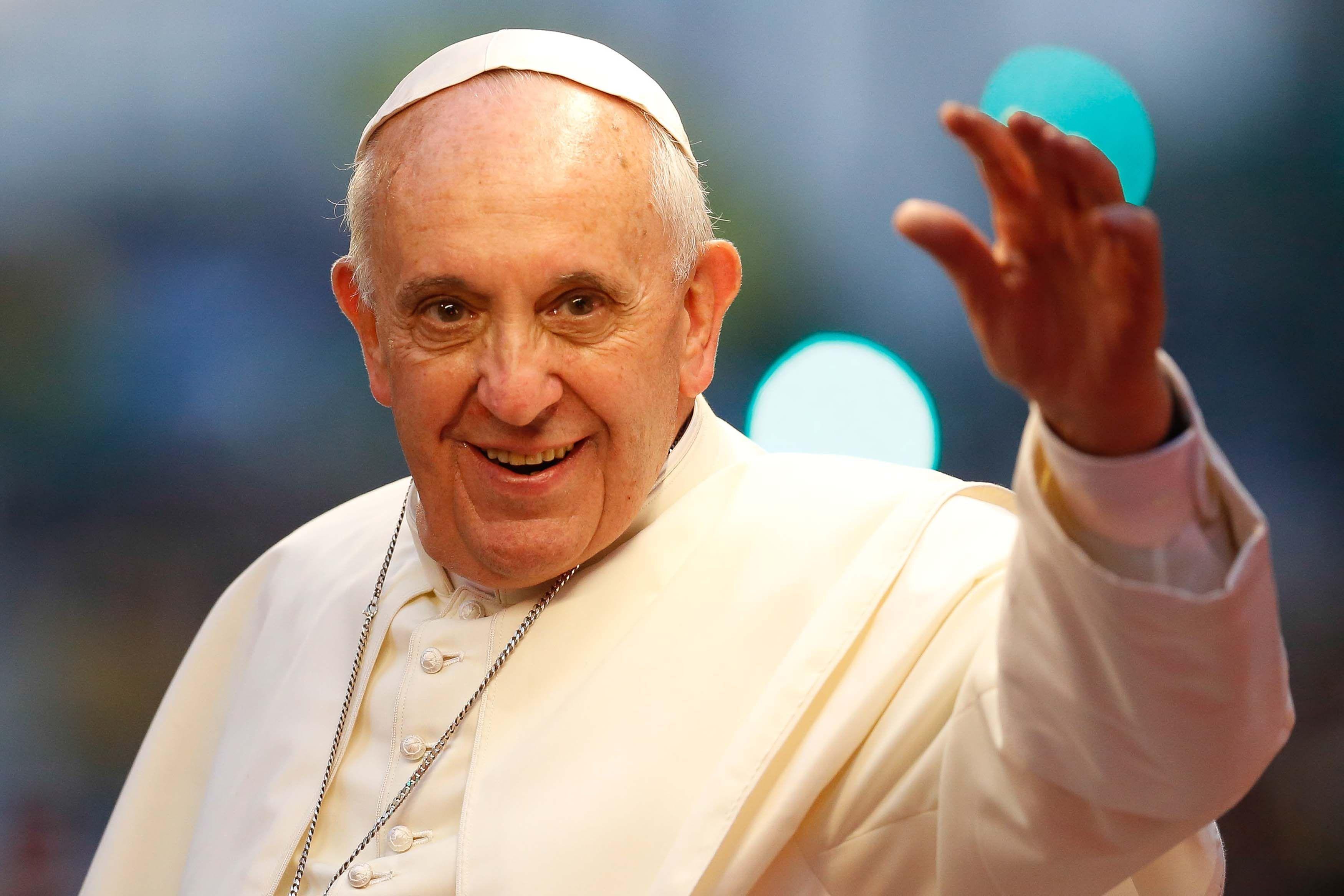 Ahora toca uno de los fijos. Para acabar opinaremos del Papa Francisco.