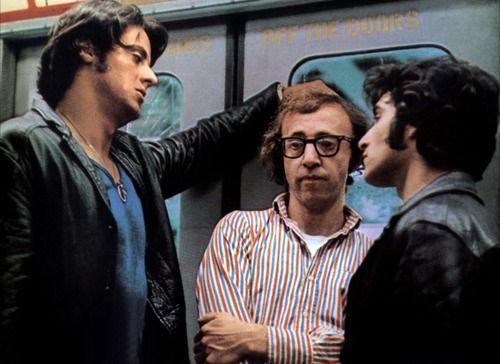 ¿En qué película de Woody Allen tuvo una breve aparición antes de convertirse en un actor conocido?