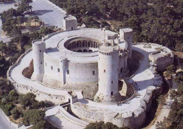 ¿Cuál es la característica principal del Castell de Bellver?