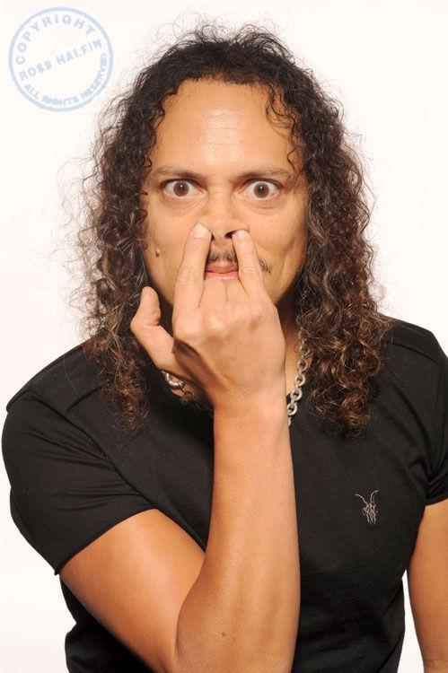 Ahora una muy difícil, ¿en qué vídeo musical hace un cameo el guitarrista Kirk Hammett?