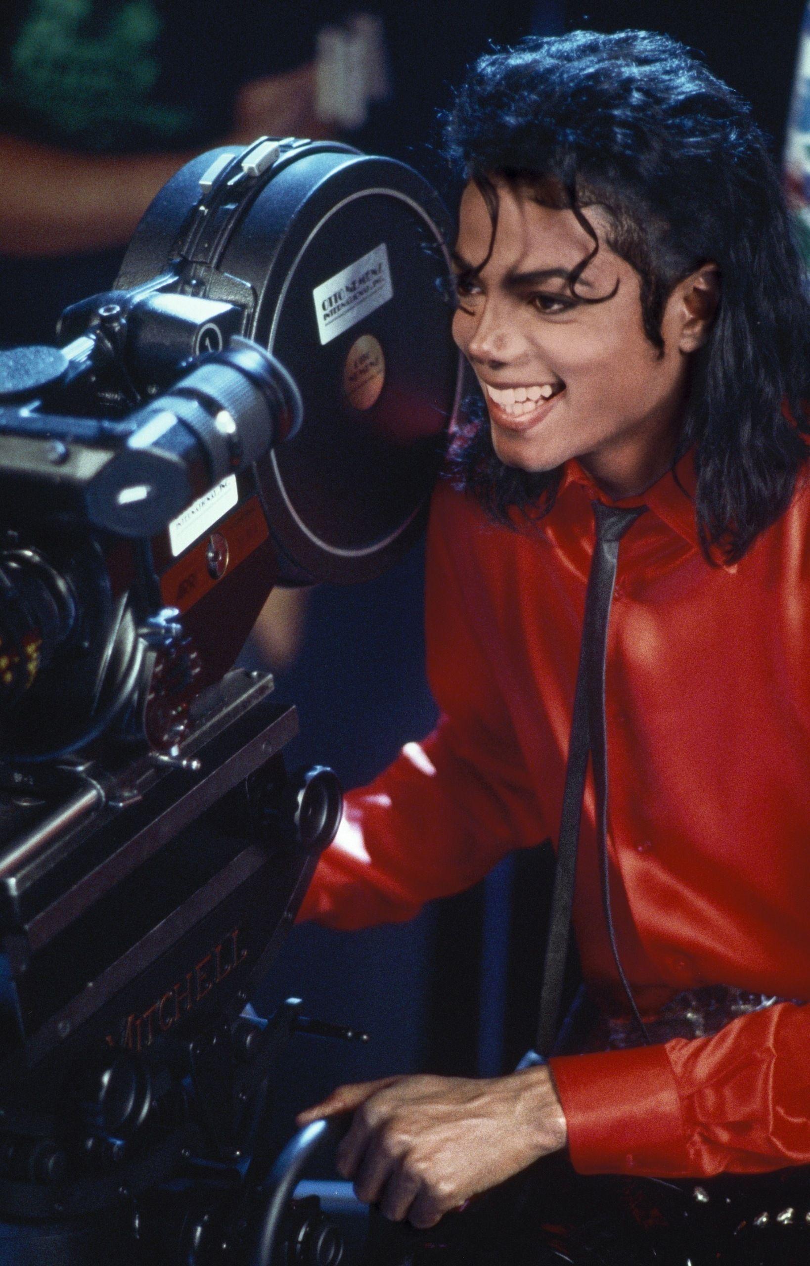 12677 - Vídeos de Michael Jackson