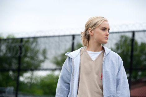 ¿Qué negocio monta Piper dentro de la prisión?
