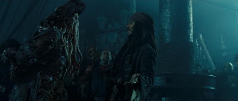 Davy Jones y Jack Sparrow hacen un trato. Este último será capitán de la Perla Negra durante...