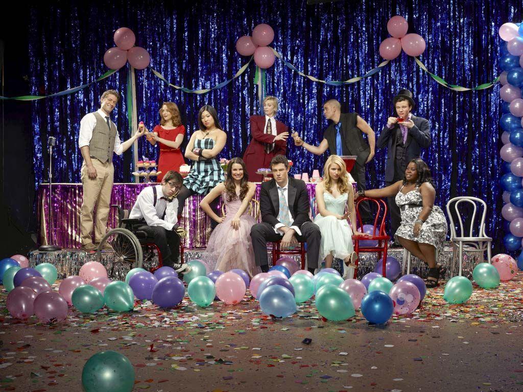 ¿En Prom-Queen quienes fueron tey y reina del baile?