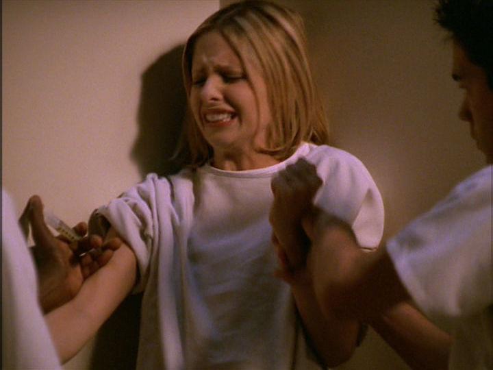 ¿A qué temporada pertenece el episodio donde se sugiere que Buffy es una enferma mental?