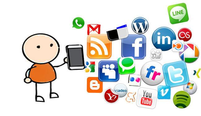 ¿Usas mucho las redes sociales (Facebook, Twitter, Tuenti...)? (EL WHATSAPP NO)