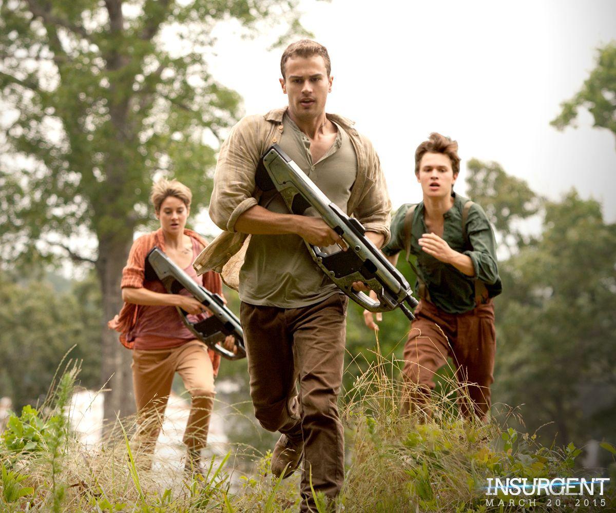 ¿A dónde huyen Tris y sus amigos para refugiarse de los ataques de Jeanine Matthews?