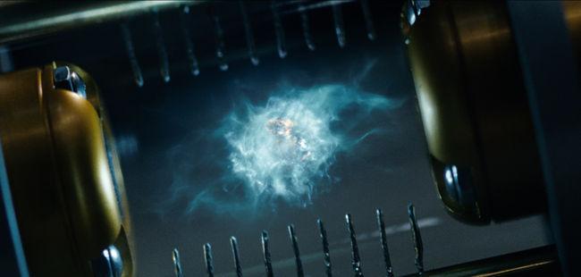 En la película, ¿Cómo se llama el investigador del CERN que desarrolló la tecnología de la antimateria?