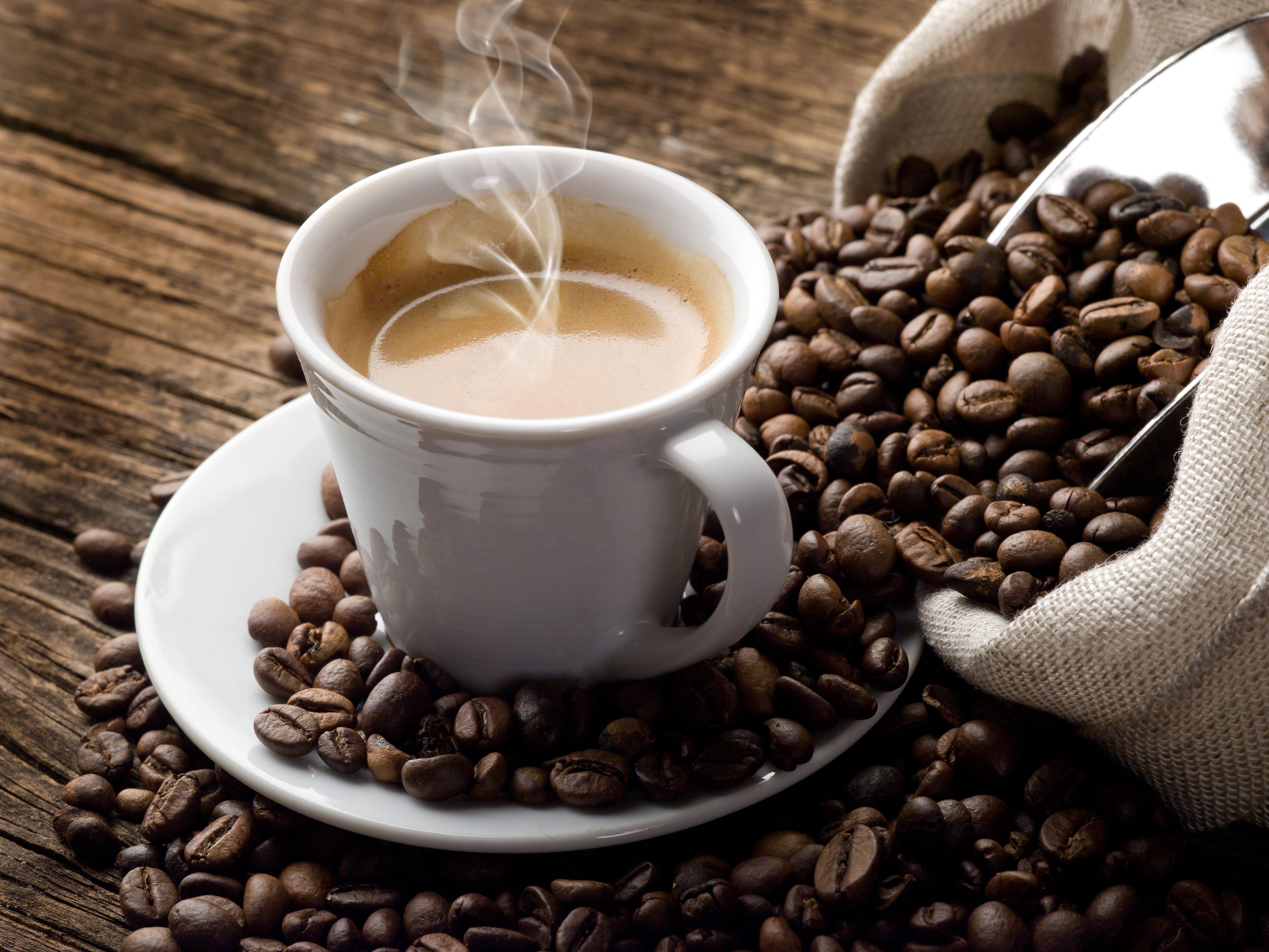 ¿Sueles tomar bebidas energéticas, café o té?